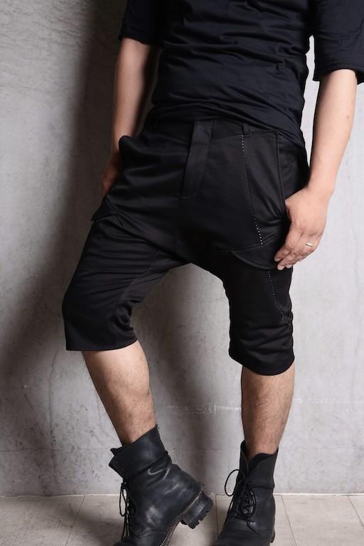 incarnation / ショート丈パンツを苦手としている方にこそ提案したいサルエルショートパンツ _ THEE SIX EYES