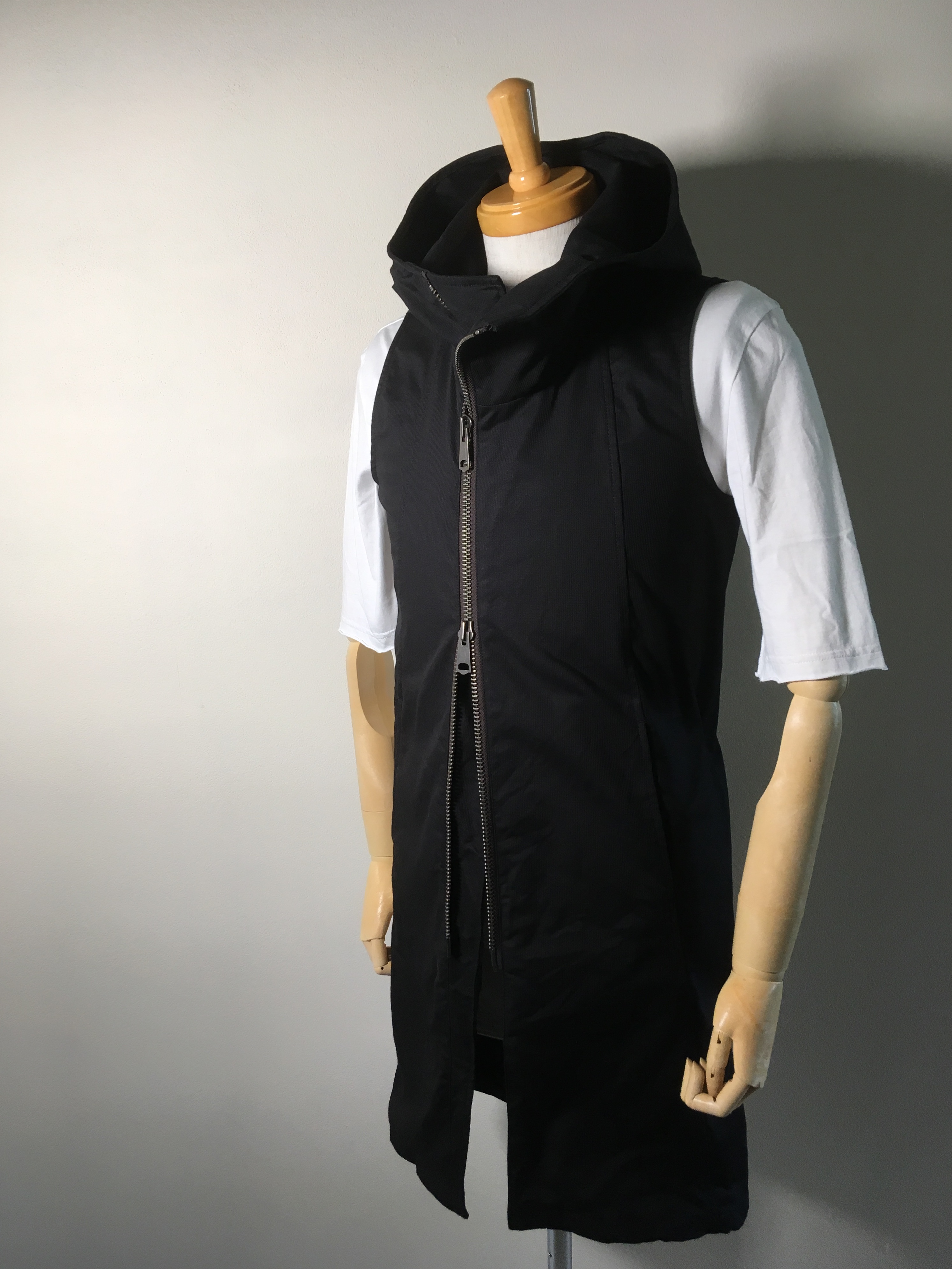 Cord Stretch Long Hooded Vest _ THEE SIX EYES_
